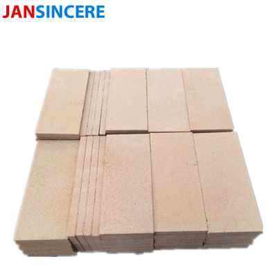 High Temp Yellow Fire Clay Bricks High Alumina Bauxite Material For Fire Place / Furnace